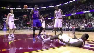 Amar'e Stoudemire vicious dunk on J.J. Hickson (Feb. 25, 2011)