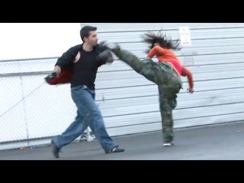 Taekwondo Girl vs Boxing Guy Street Fight Scene