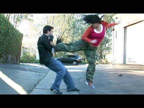 Taekwondo Girl vs Boxing Guy Street Fight Scene