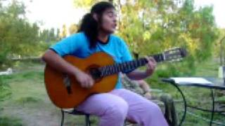 Meli cantando Niña de Abril