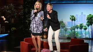 Ellen and Kristen Wiig Sing 'Let It Go'