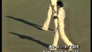 Magical Imran Khan YORKER OF DEATH - 1981 vs Australia