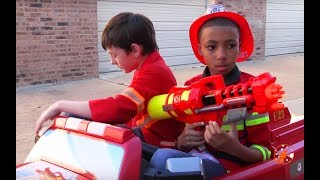 Little Heroes 22 - The Showdown Battle - Heroes vs Villains with The Spark, Fire Engine, & Nerf Guns