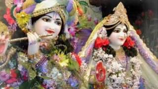 Beautiful Aarti ( Just Watch )