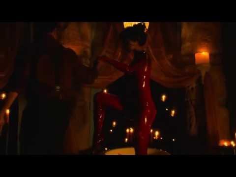 Eiza gonzalez table dance1
