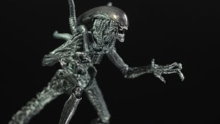 S.H. Monster Arts Alien Warrior Review