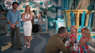 Jane the virgin - Twins knows about Chuck and Petra