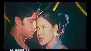 Hot and sexy dance of Veena Malik