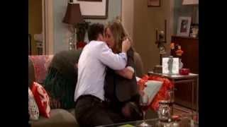 Sarah Chalke and Jason Biggs kissing on Mad Love