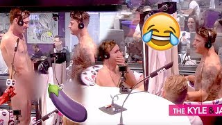 Gay Guy & His Straight Bestie Get NAKED For Buddies In The Bath | KIIS1065, Kyle & Jackie O