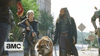 The Walking Dead: 'Fight With Us' Sneak Peek Season Finale