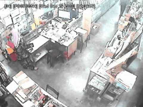 Penang a stationery shop got a malay woman customer steal worker mobile phone