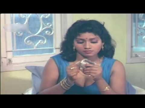 Sexy Strip off Saree of a beautiful actress