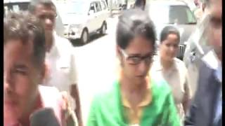 Uzma Ahmed Return to India - Live Video From Airport
