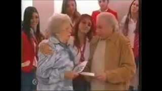 Rebelde Capitulo 189 - Roberta invita a los professores a su fiesta