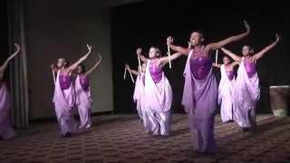 Female dancers from Inganzo Ngari, filmed by Carine Plancke