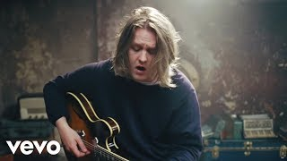 Lewis Capaldi - Lost On You (Live)