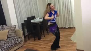 رقص منزلي من بنت قمر   13