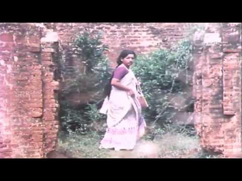 Nyaya Neethi Dharma / ನ್ಯಾಯ ನೀತಿ ಧರ್ಮ |Hot scene |FEAT. Aarathi, Dwarakish