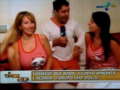 Julinho do Carmo acorda às Sexy Dolls Sabrina Boing Boing e Carol Miranda parte 1