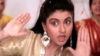 pc mobile Download Ni Main Sas Kutni, Bhagyashree, Anuradha Paudwal - Ghar Aaya Mera Pardesi Dance Song