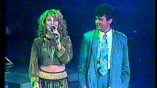 Natusha & Roberto Antonio  UNA PENA TENGO YO EN VIVO) MEXICO 1993