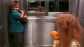 Extremely Scary Ghost Horror Elevator Prank - Der Horror Fahrstuhl