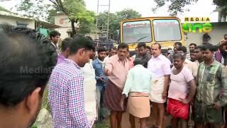 Quarry mafia attacks environmentalists in Ayoor