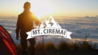 PENDAKIAN GUNUNG TERTINGGI DI JAWA BARAT, CIREMAI 3078 MDPL || Travel Vlog
