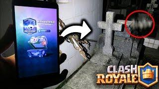 ¡ABRO COFRES en el CEMENTERIO de NOCHE! - Clash Royale [ANTRAX]☣