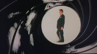 007 The World Is Not Enough Gunbarrel Pierce Brosnan