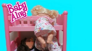 BABY ALIVE Real Surprises Doll Sneaks out of bed for a sweet surprise + Learns to Potty Twins