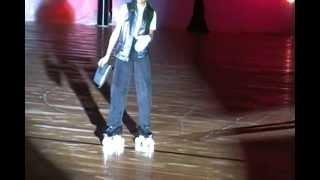 Amazing kid skates to Michael Jackson Billy Jean