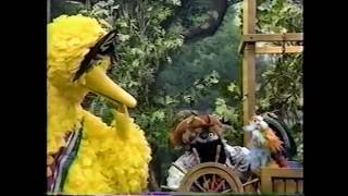 Sesame Street - Zoe & Big Bird Play Pirate