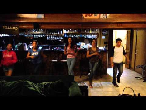 Las Fenix bailando El Sonidito