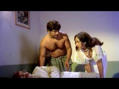 Xxx Mp4 Karimpana Movie Romantic Scene Jayan Parameela Seema Malayalam Movie Romantic Scene 3gp Sex