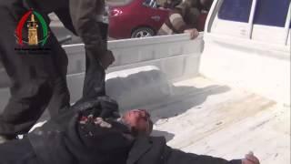 خطيير اول لحظات المجزرة في درعا البلد وجثث الاطفال واصابة المصورلحظة سقوط صاروخ ثاني 21 2 2014