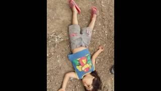 لحظات موت طفل حزين 😔 جدا شاهد وشوف حيفوتك اذا متدخل