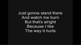Eminem ft.Rihanna-Love the way You Lie(Song+Lyrics)
