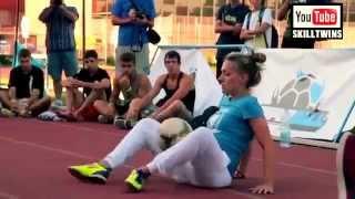 Girls With Neymar Ronaldo Ronaldinho Football & Freestyle Skills!   HD