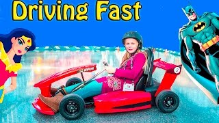 ASSISTANT Super Fast Racing New Toys + Batman and Wonder Woman in Real Life