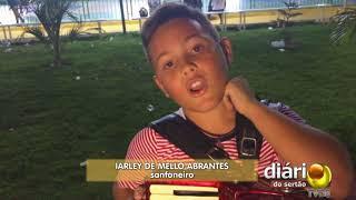 Criança é sucesso na sanfona e sonha ganhar instrumento musical