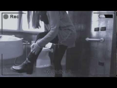 LA GINGER IN BAGNO (Telecamera nascosta!!!)