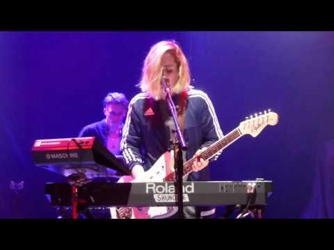 Shura - Make It Up (HD) - Royal Albert Hall - 31.03.16 Mp3