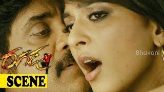 Anushka Tries To Kiss Nagarjuna - Romantic Love Scene - Brahmanandam Comedy - Ragada Movie Scenes