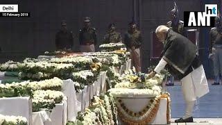 PM Modi, Rahul Gandhi pay tribute to killed CRPF jawans