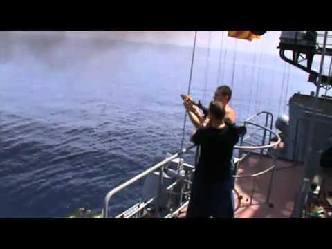 คลิป ทหารเรือรัสเซีย โชว์พาวจมเรือ สลัดโซมาเลีย คลิปแมส