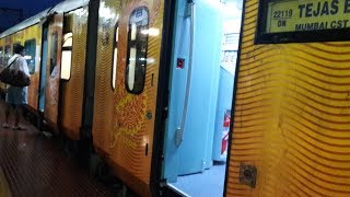 Tejas Express (Automatic Doors) Opening and Closing : Passengers Boarding (My 50th Upload✌)