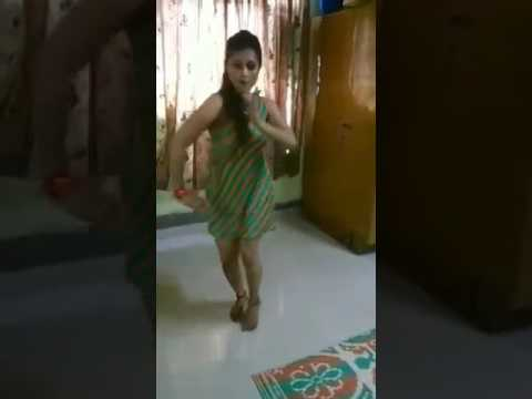 Drunken Pakistani Girl sexy Dance..