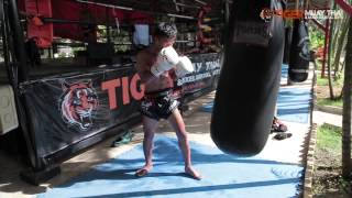 Muay Thai Training heavy bag workout with Krorpet TigerMuayThai
